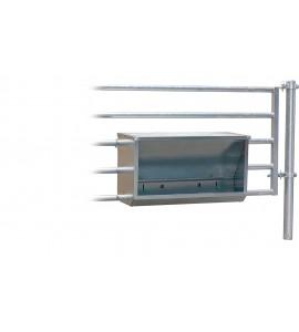 Futterautomat für Kälber zum Einhängen in Abtrennungen